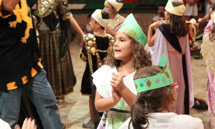 Fiestas de cumpleaños temáticas Dîner-spectacle Défi Médiévale Alfas del Pi