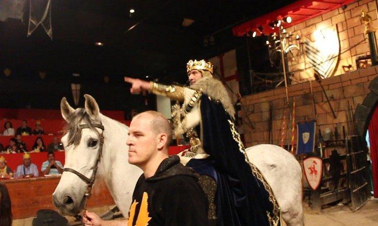 Ensayos, Desfiles y Boatos Dîner-spectacle Desafío Medieval Alfas del Pi